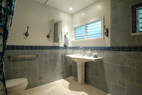 Universal Design Bathroom | Case San Jose
